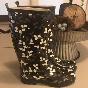 Shoes - Fun design rain boots